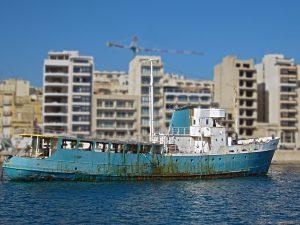 ship, schiff, boat, malta, sea, mittelmeer, plattenbau, freestock images, lizenzfrei, kostenlos, download, fotografie, bilddatenbank